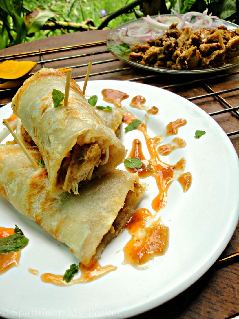 Hot parathas filled with succulent pieces of chicken and loads of yummy chutney are to die for!