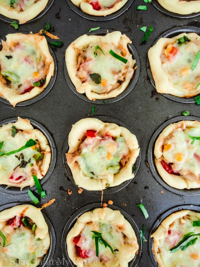 Mini Pizza Pies. The perfect snack idea!
