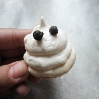 Meringue Ghosts [Halloween Special]