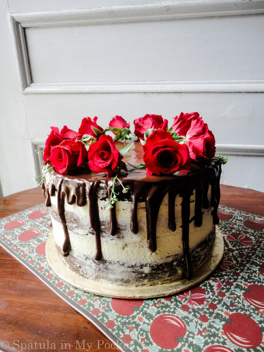 Semi naked Chocolate Cake