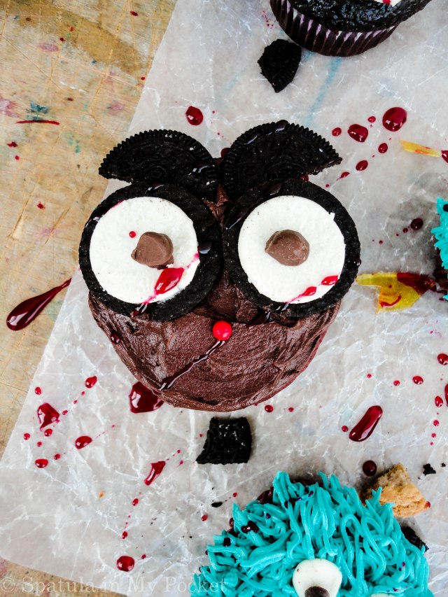 These wide eyed Owl Cupcakes make for an adorably gory Halloween treat!