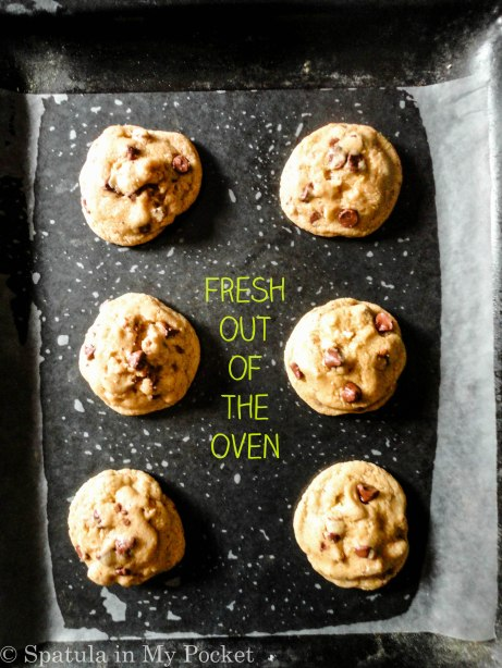 Six perfect chocolate chip cookies. Crispy on the outside, chewy on the inside. Loaded with chocolate and walnuts. #smallbatch #chocolatechipcookies #cookies